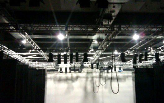 trusses y estructuras para iluminacion en teatros