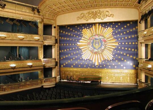 mantenimiento de telones en alicante teatros